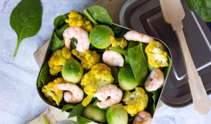 ketogeen recept, salade, bloemkool, garnalen