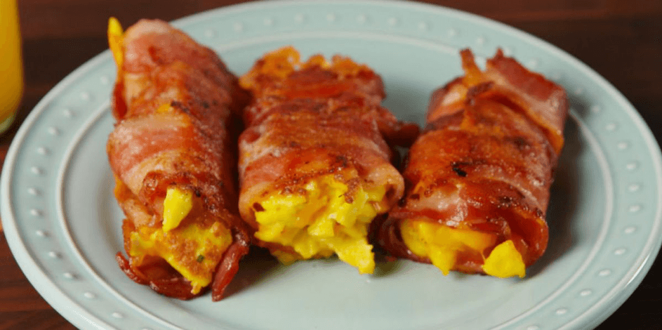 Rolletjes bacon met ei en kaas